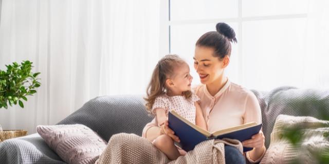 Mateřství: 5 tipů, jak se vrátit ke čtení - titulní obrázek