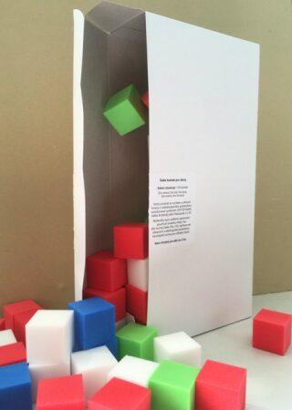 Barevné plastové kostky – sada pro třídu