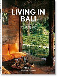 Living in Bali (Bibliotheca Universalis) - Kolektiv