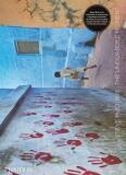 Steve McCurry: The Unguarded Moment - Steve McCurry